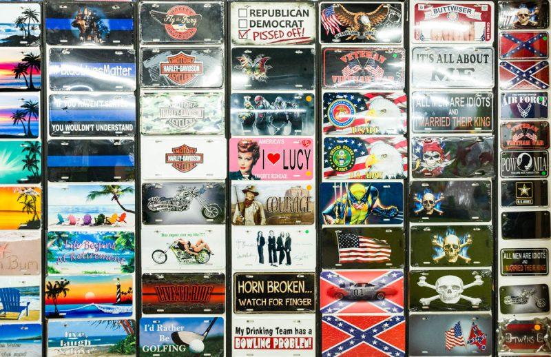 Slogans / Kitsch / Jokes / Propaganda for license plate holders.
