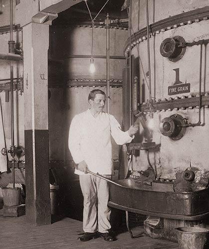 1912 Publicity Photograph. Vacuum pans.